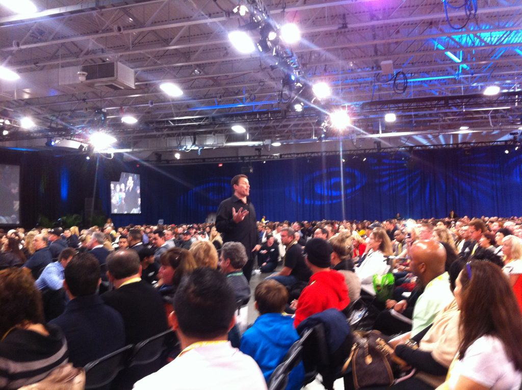 tony robbins upw review image